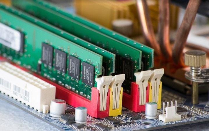 Errores que hay que evitar al comprar piezas para un PCI de juegos Si está construyendo un PC de juegos, no significa que tenga que pagar un alto precio por las piezas. Evite los errores que la gente comete al comprar piezas para un PC de juegos.