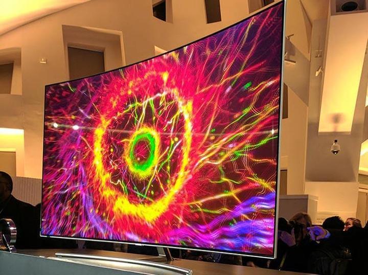 OLED vs. QLED: Usted ha decidido comprar un televisor de 4K pero no está seguro de qué tecnología de panel elegir. En este artículo se analizan las ventajas y desventajas de cada tecnología en comparación con las de OLED y QLED. Echa un vistazo.