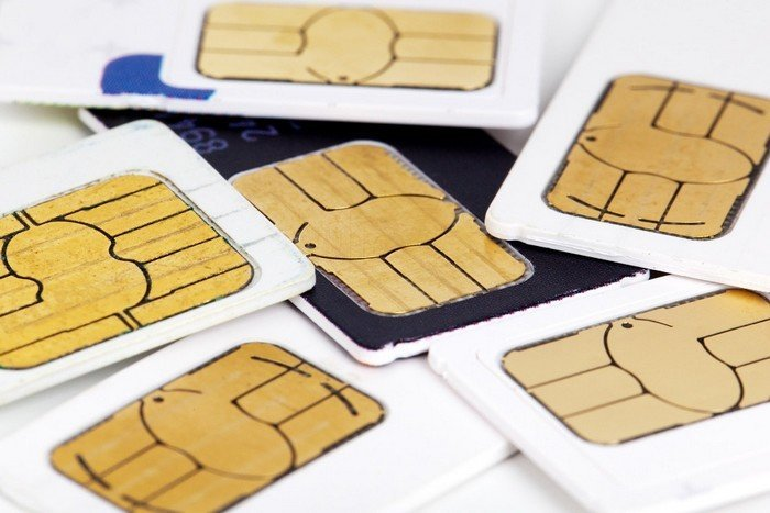 CDMA vs GSM: ¿En qué se diferencian? al comprar un nuevo teléfono inteligente, ha escuchado los términos CDMA y GSM. Este artículo explica qué son y en qué se diferencian.